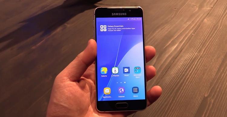 Смартфон Samsung Galaxy а3
