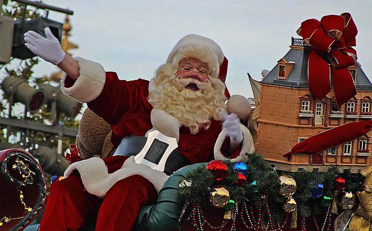 Веселый Санта Клаус