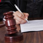 Чем отличается решение суда от его определения