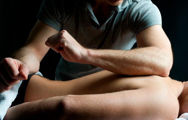 В Днепре мужчина изнасиловал и ограбил девушку после сеанса массажа