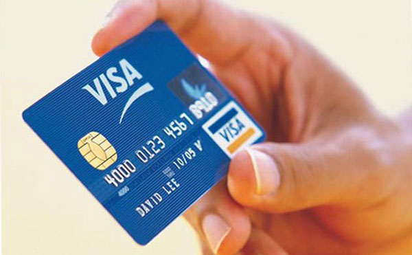 Visa Classic в руках