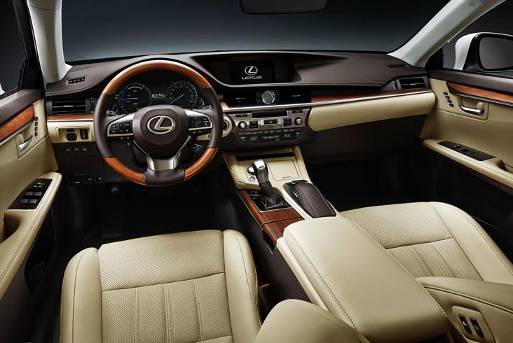 Lexus ES - салон
