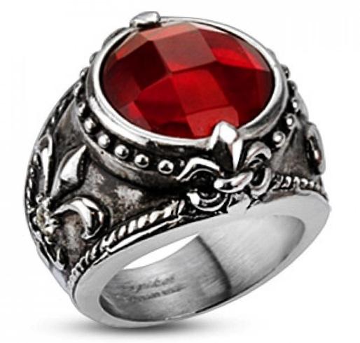 Красивый перстень