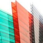 Чем отличается сотовый поликарбонат от монолитного поликарбоната?