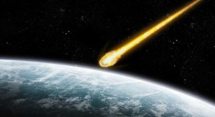 Метеорит в космосе