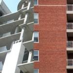 Что лучше выбрать монолитный или кирпичный дом?