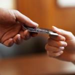 В чем разница между займом и кредитом?