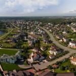 Чем отличается поселок от деревни: сходства и отличия