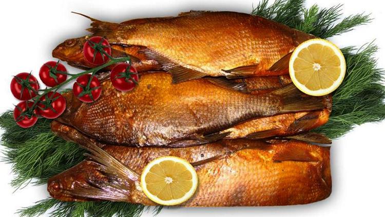 Свежая копченая рыбка