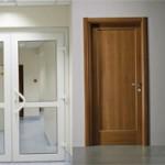 Чем отличаются двери ПВХ от ламинированных?