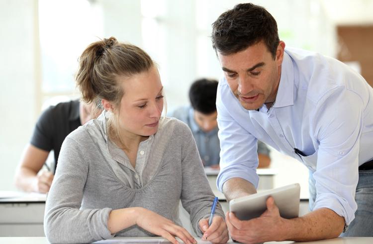 Учитель со студенткой
