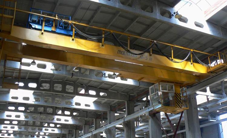 Современный мостовой кран