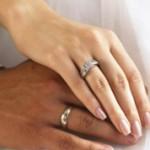 Чем отличаются обручальные кольца от помолвочных