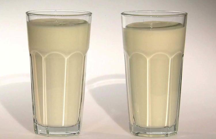 Два стакана кефира