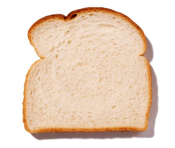 Кусок белого хлеба
