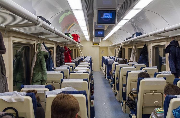 Современный сидячий вагон