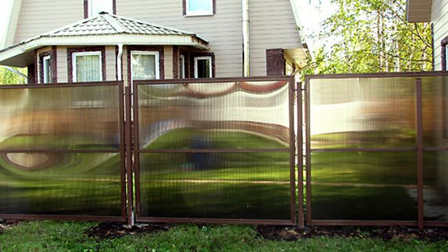 Забор из политкарбоната