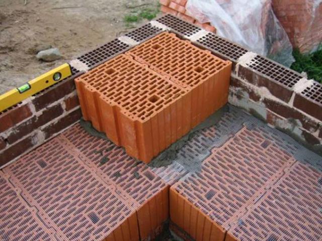 Укладка керамического блока