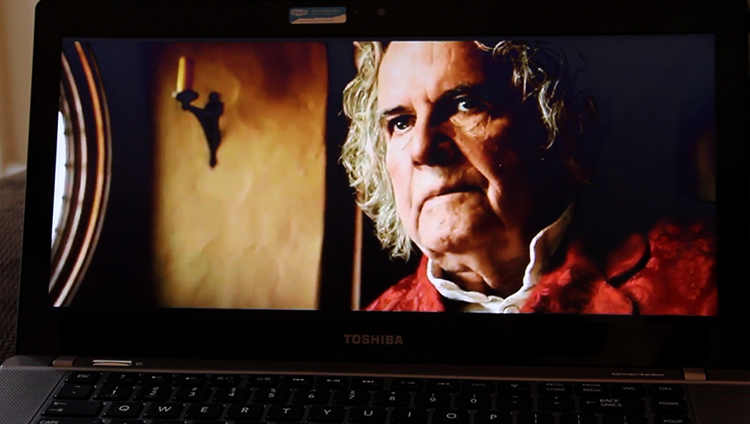 Фильм на лаптопе