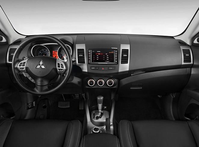 Салон MitsubishiOutlander