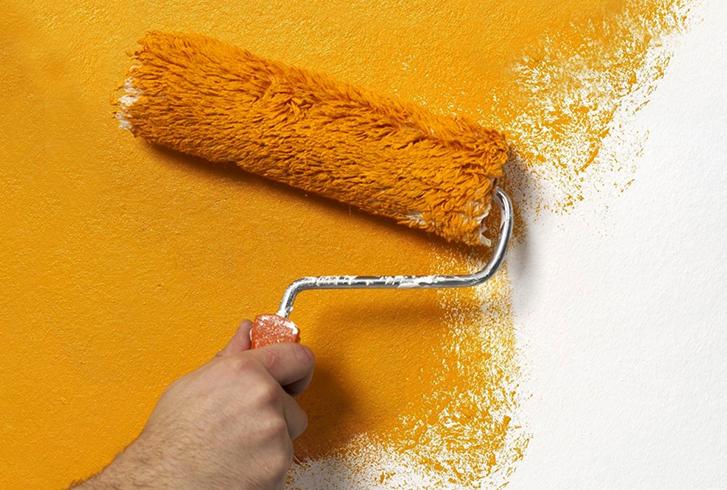 Во время покраски стены