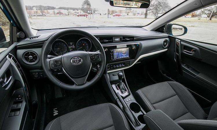 Салон Toyota Corolla