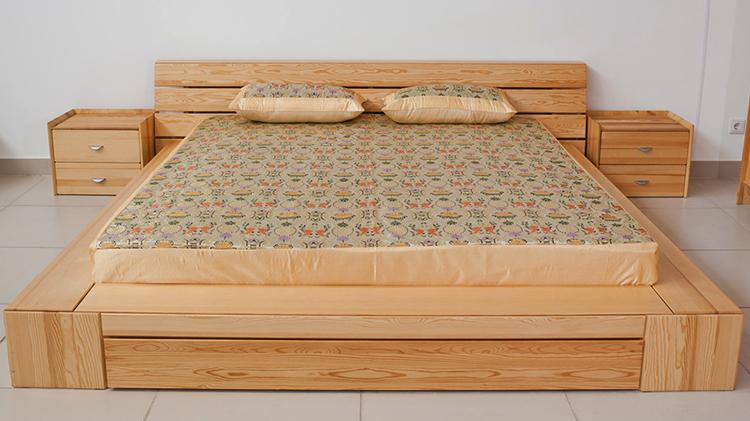 Новая кровать из сосны