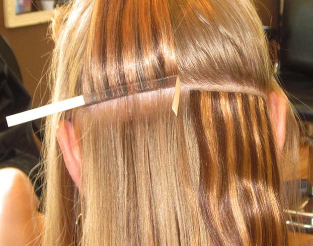 Процесс ленточного наращивания волос