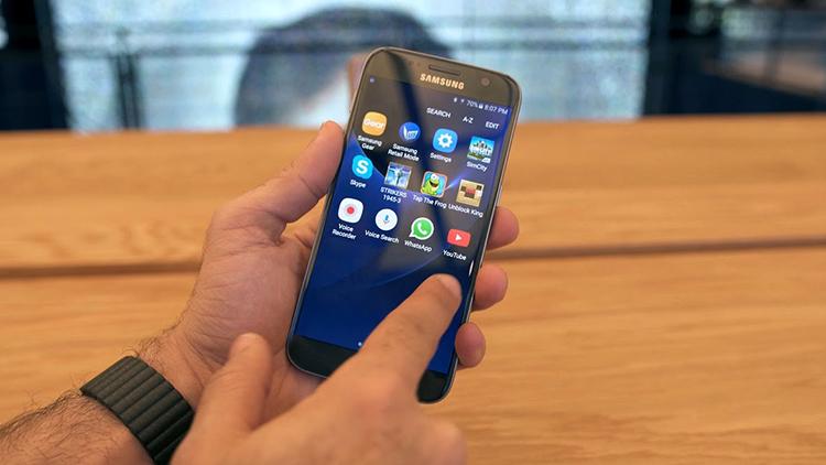 Samsung Galaxy S7 в руках