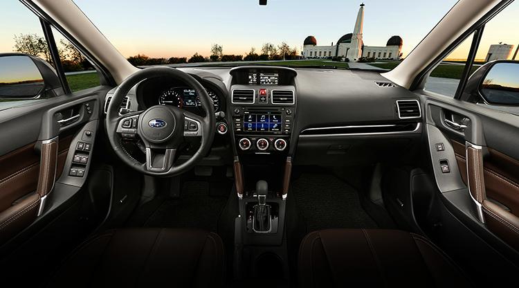 Салон Subaru Forester