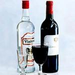 Что лучше пить водку или вино: особенности и отличия