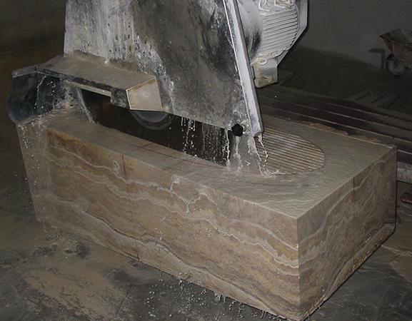 Кусок литьевого мрамора