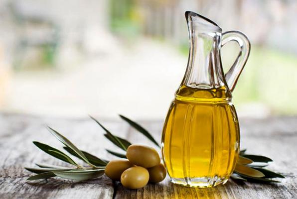 Свежее масло из оливок