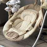 Что лучше использовать для новорожденных шезлонг или электрокачели?