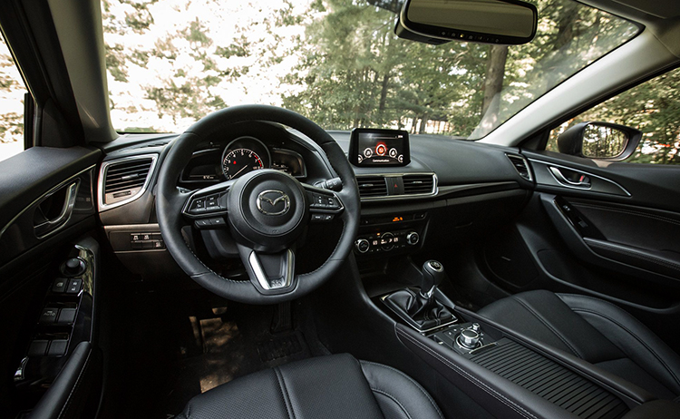 Салон Mazda 3