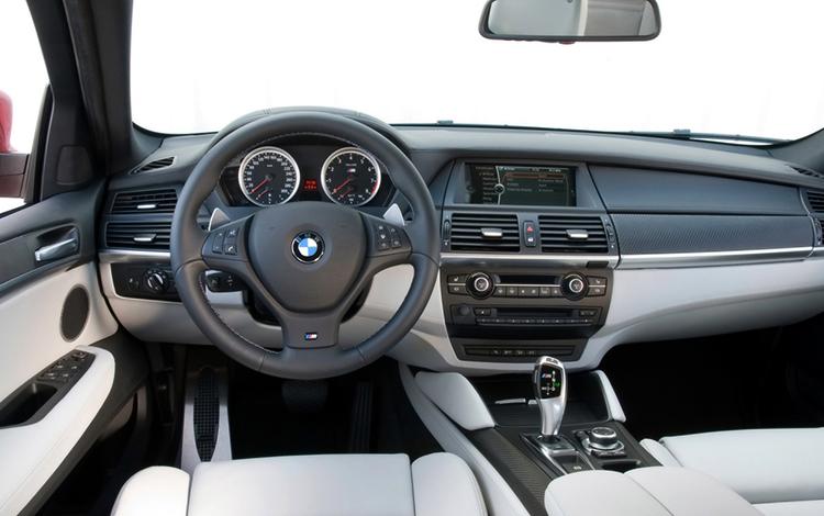 Интерьер BMW X6