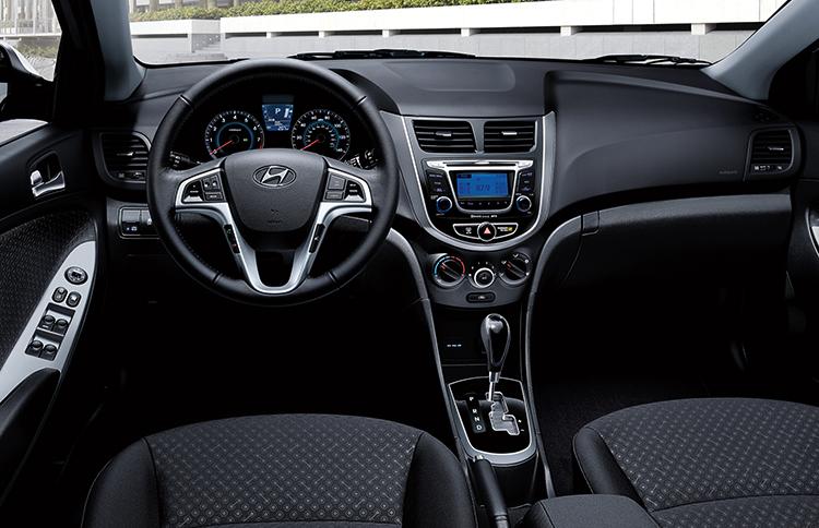 Салон Hyundai Accent