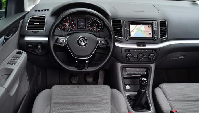 Салон Volkswagen Sharan