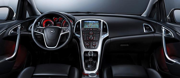 Интерьер Opel Astra