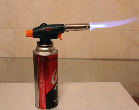 Газовая горелка в работе