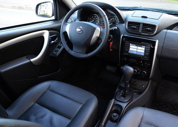 Интерьер Nissan Terrano