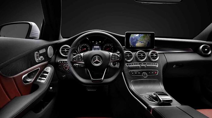 Салон Mercedes C-class
