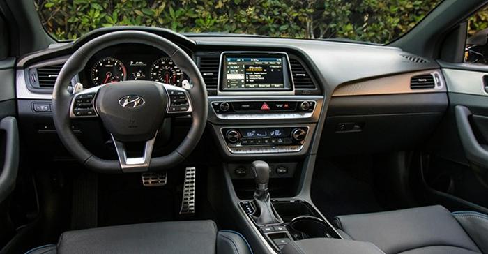 Салон Hyundai Sonata