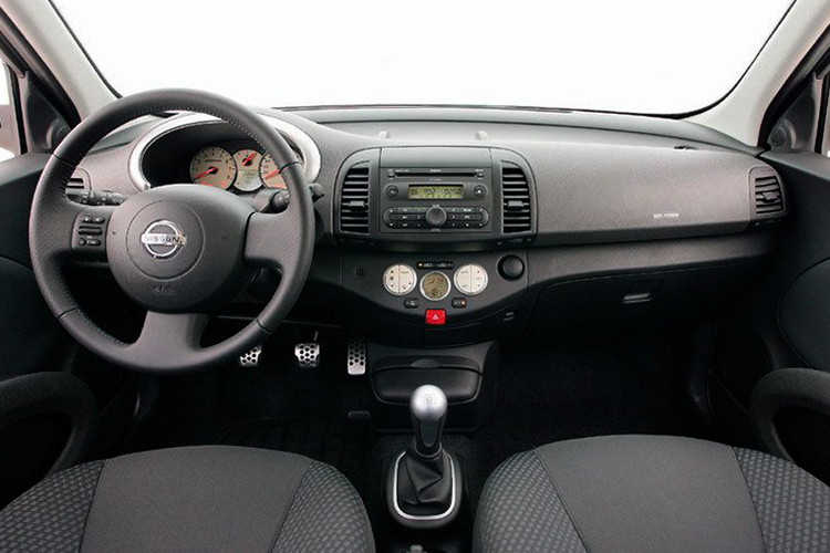 Салон Nissan Micra К12